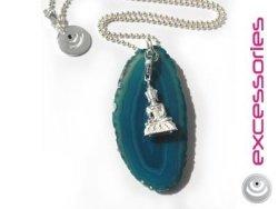 Türkisfarbene Achatscheibe mit Buddha an Silber-Kugelkette © excessories (OpenPR)