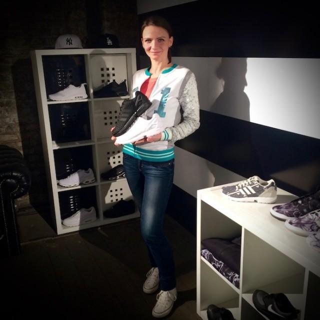 ItmustbeFebruary_footLocker_sneaker_releases_014