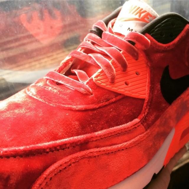 ItmustbeFebruary_footLocker_sneaker_releases_Nike_04