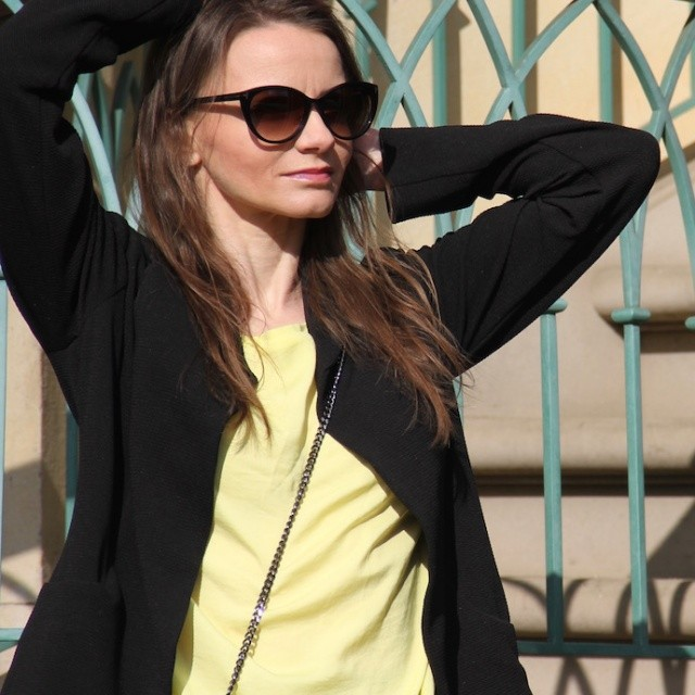 Look_casual_Outfitdetail_Blazer_Sonnenbrille_TomFord_Fruehling_0