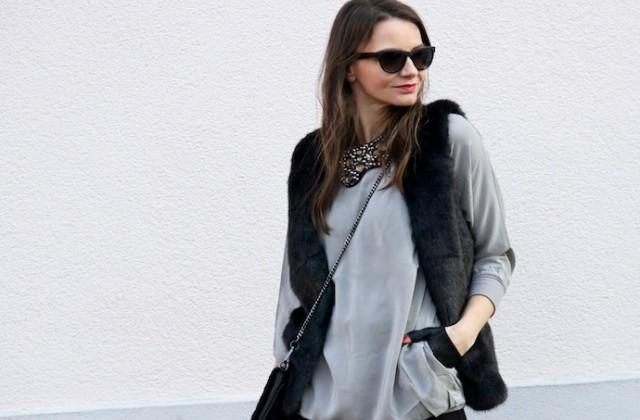 Outfit_Inspiration_Winter_FakeFur_Weste_Rock_grau_schwarz_Berlin_look_0131