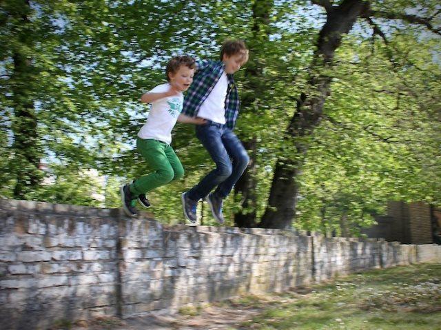 Kinderschuhe_test_superfit_jungen_sneaker_sommer_outfit_inspiration_10