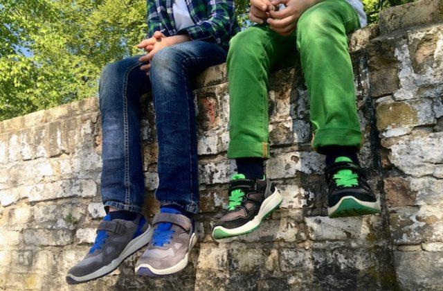 Kinderschuhe_test_superfit_jungen_sneaker_sommer_outfit_inspiration_3