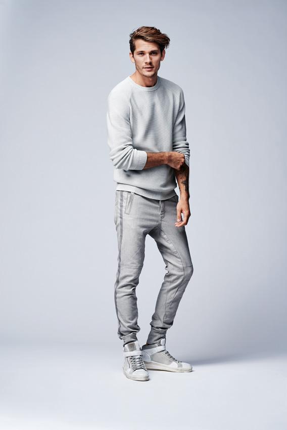 Strellson-Sommerkollektion-sport-Denim-Jogginghose.outfit