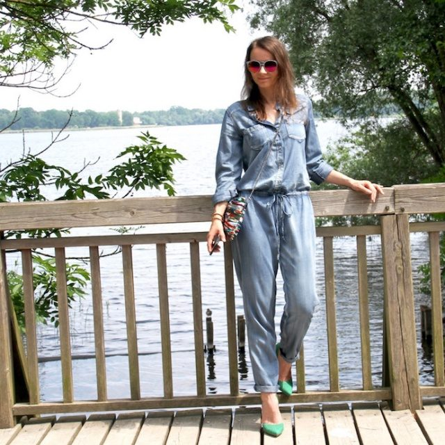 Jumpsuit_Overall_outfit_Inspiration_Denim_Look_Sommer_casual_pumps_justfab_08