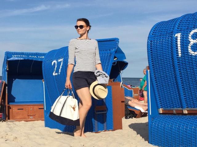 Strand_Beachbag_Strandtasche_Ostsee_Weekender_Inspiration_enquer_maritim_Outfit_Shorts_blau_011