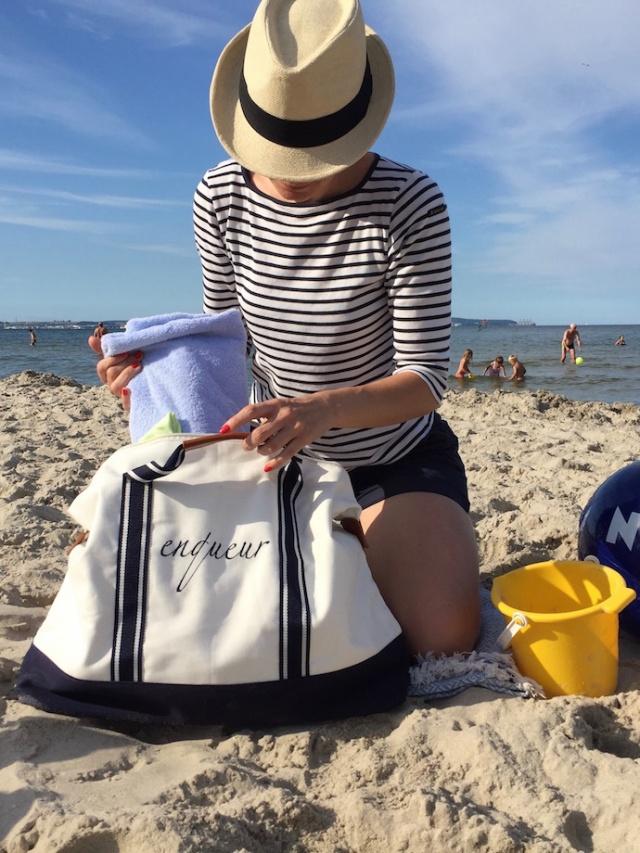 Strand_Beachbag_Strandtasche_Ostsee_Weekender_Inspiration_enquer_maritim_Outfit_Shorts_blau_09