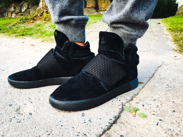 adidas-Sneaker-Tubular-Invader-Strap