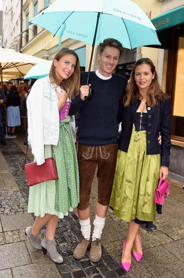 inspiration_outfit_look_oktoberfest_dirndl_brezn_wiesn_2016_fruehstueck-bei-tiffany_tracht_05